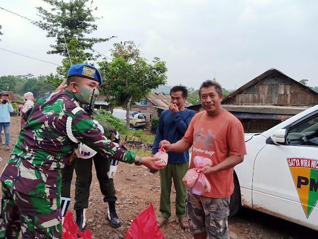 Denpom II/3 Lampung Bagikan 150 sembako, nasi bungkus dan masker kepada Masyarakat Kota Bandar Lampung
