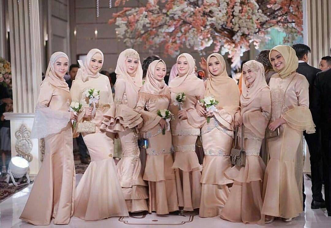 model gaun muslimah