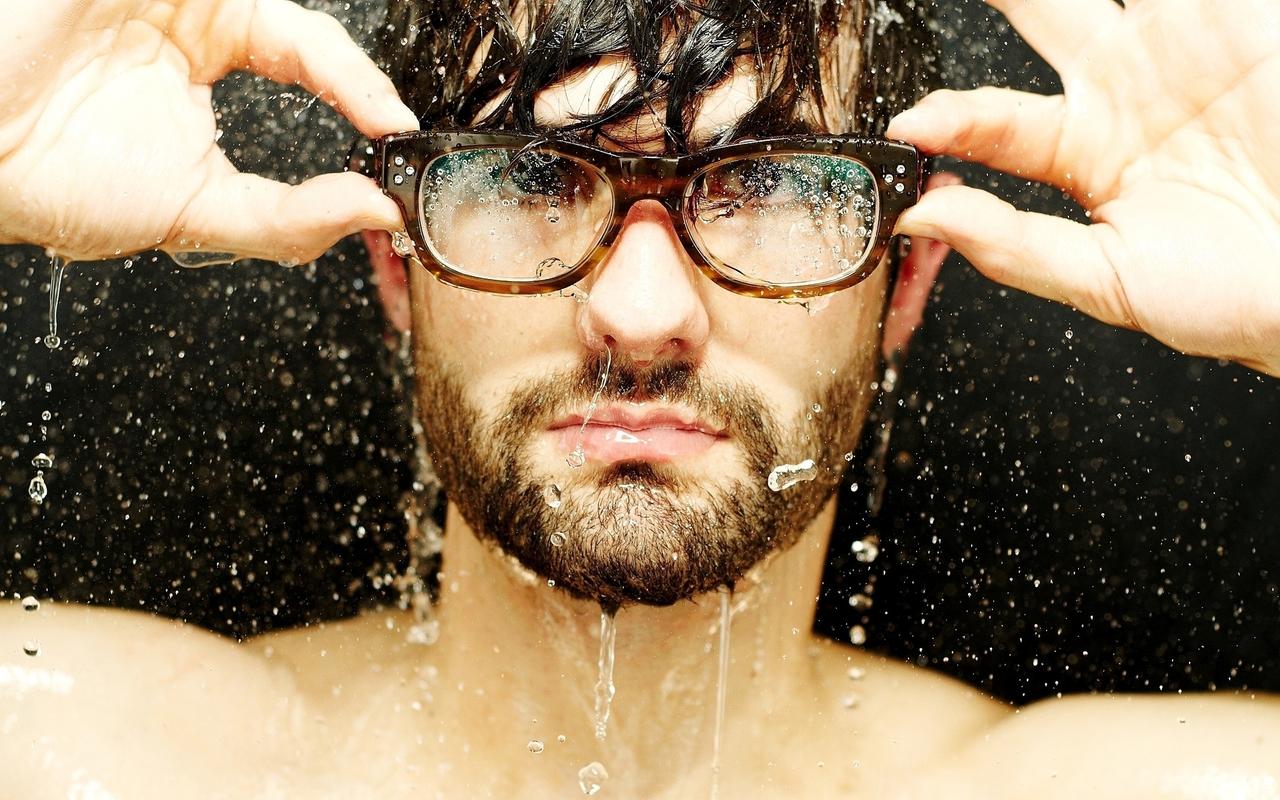 Man with glasses consectetur rhoncus adipiscing elit venenatis