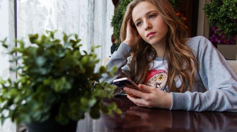 Slow Merespon Chat atau Telepon