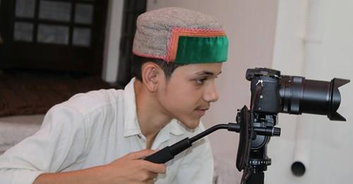 3 साल तक कॉमेडी करने के बाद अपने पहले गाने छैल लगदी से लाखों दिलो में छाए कांगड़ा के अनीश शर्मा