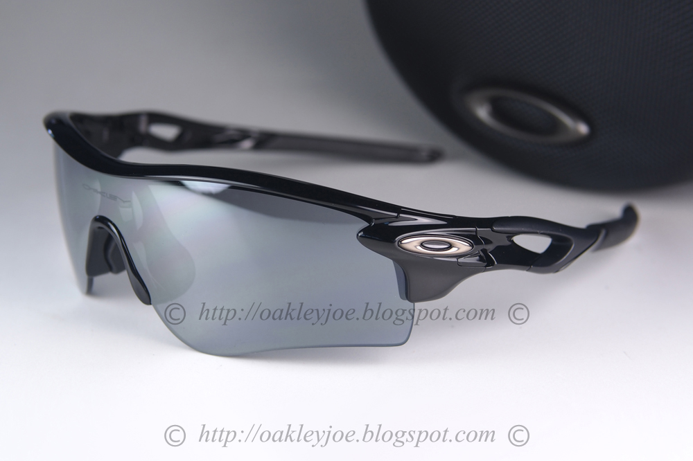 oakley split jacket asian fit sunglasses  asian fit black + slate iridium $290 lens pre coated with oakley hydrophobic nano solution complete set with box, case, microfiber pouch and extra nose