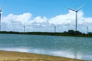 http://vnoticia.com.br/noticia/4244-jovem-morre-afogado-na-lagoa-de-gargau