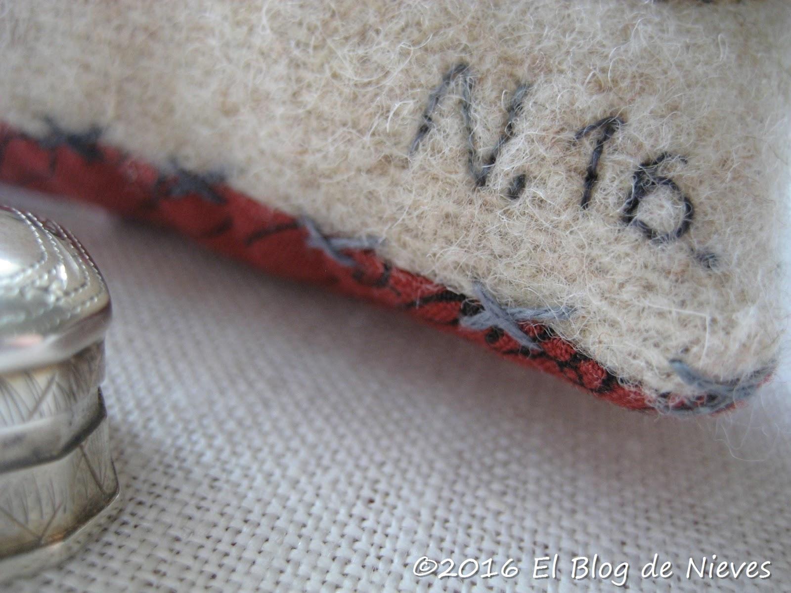 El blog de nieves labores y punto de cruz un acerico de - Labores de punto de lana ...
