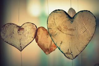 Herz aus Holz Liebes bilder