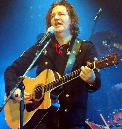 Foto de Miguel Mateos en el escenario