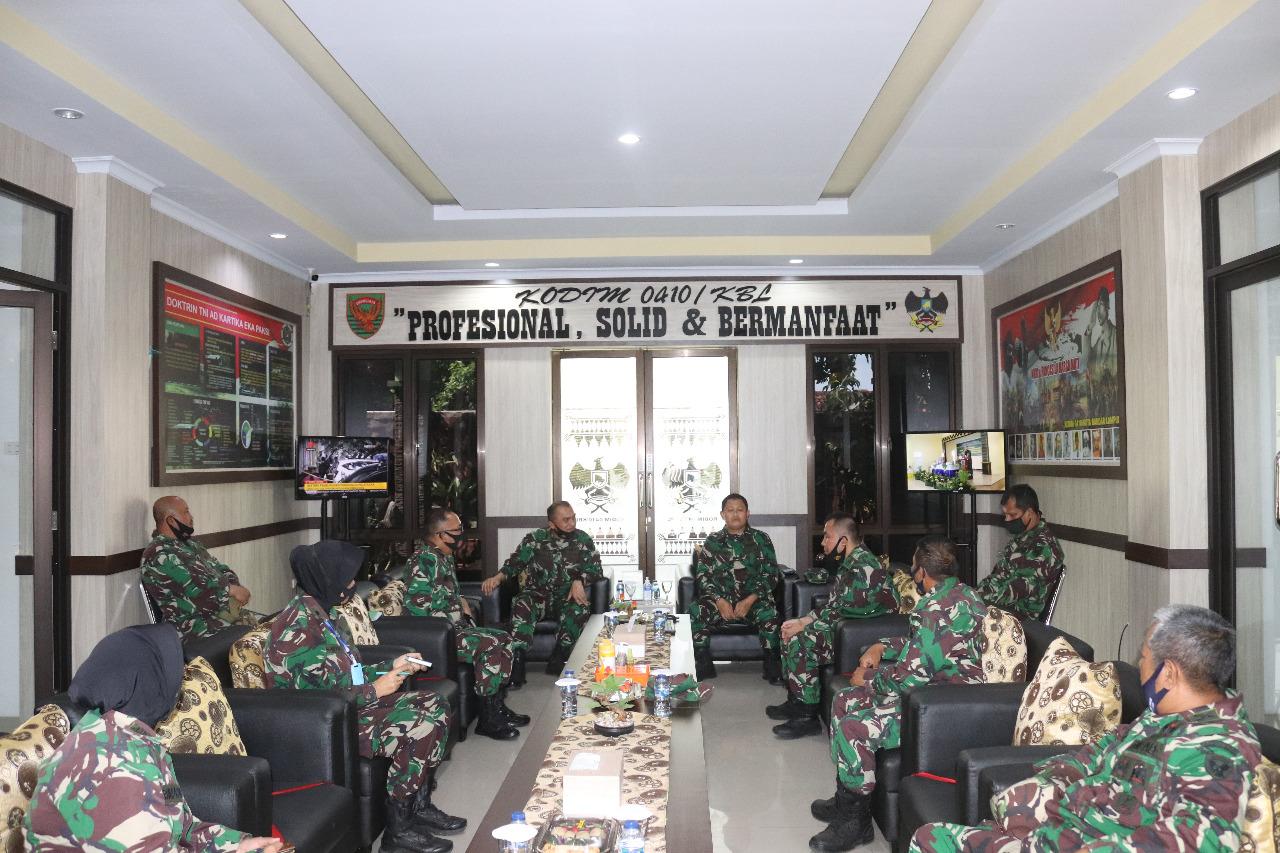 Kodim 0410/Kota Bandar Lampung mendapat kunjungan kerja tim pengawasan dan evaluasi bidang Tahwil Triwulan III TA 2020