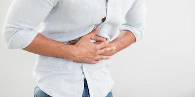 3 Penyebab Perut Sebelah Bagian Kanan Merasa Sakit Saat Ditekan