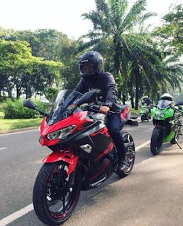 group touring Kawasaki Ninja 250 cc 2018