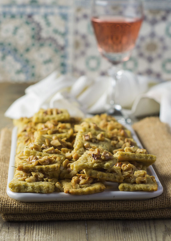 Galletas saladas de queso con tomillo y romero #sinlactosa