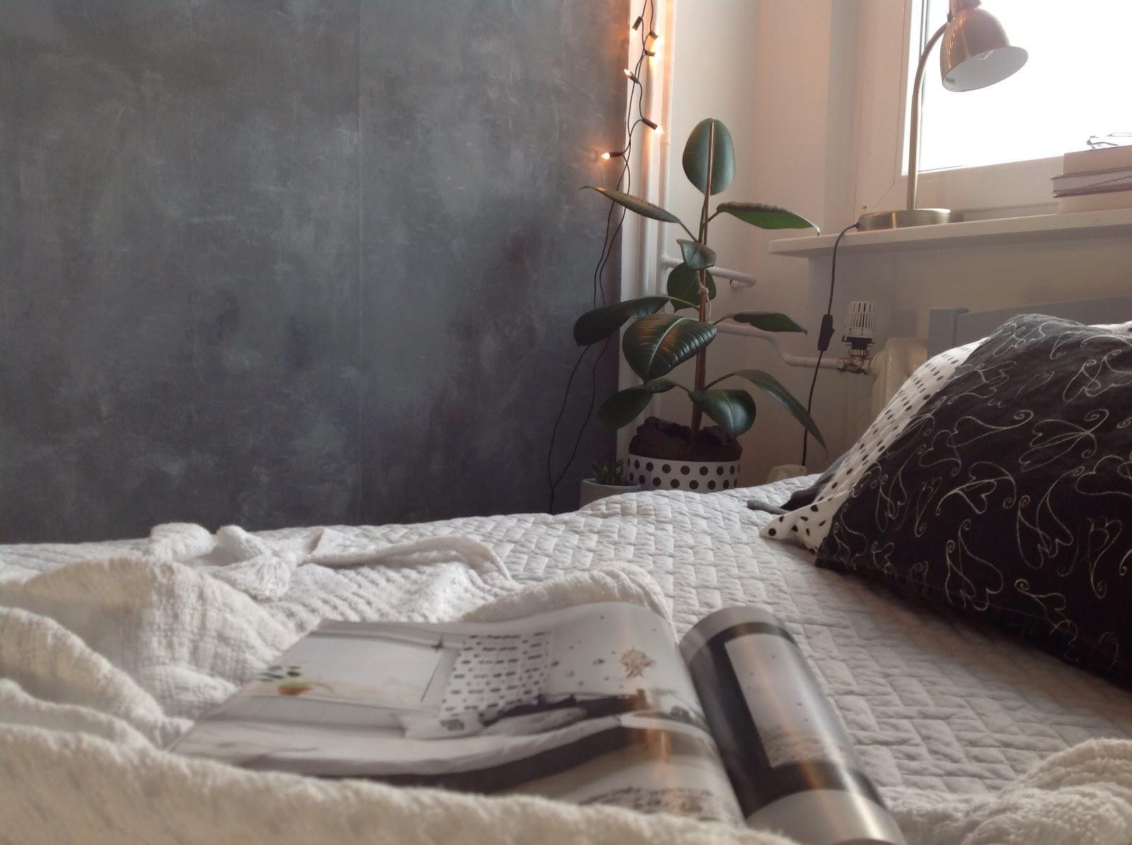 Biały Zakątek Betonowa ściana W Sypialni