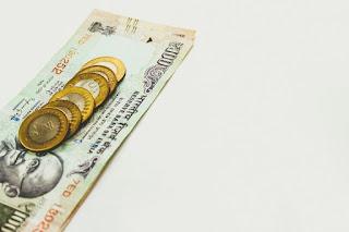 पैसा वो भासा बोलता है जो पूरी दुनिया सझती है। Money.