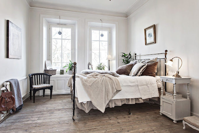 dormitor cu accente maro