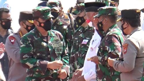 Tinjau Penanganan Pandemi Covid, Panglima TNI dan Kapolri Kunjungi Sumbar, Disambut Langsung Pangdam I/BB