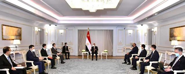 الرئيس السيسي يستقبل وزير خارجية الصين
