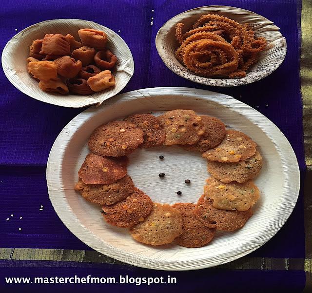 Pepper Murukku | South Indian Style Chakli