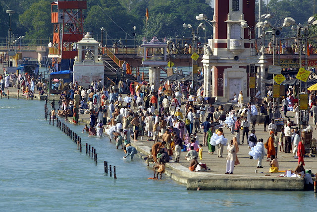 Ganges at Haridwar (c) Roderick Eime