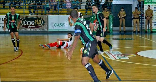 b53af76982 O Cresol Marreco goleou o Rio Bonito do Iguaçu por 13 a 0 na noite desta  terça-feira