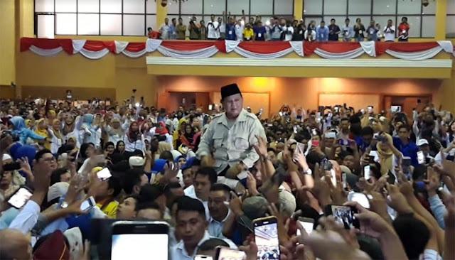Ke Jambi, Capres 02 Disambut Teriakan Prabowo Presiden Indonesia Menang