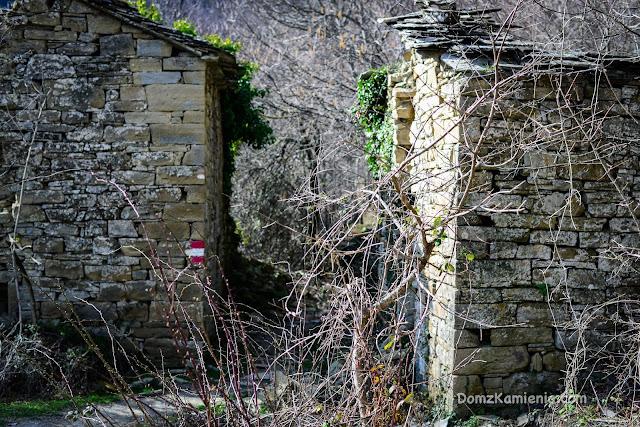 Trekking Marradi, Dom z Kamienia