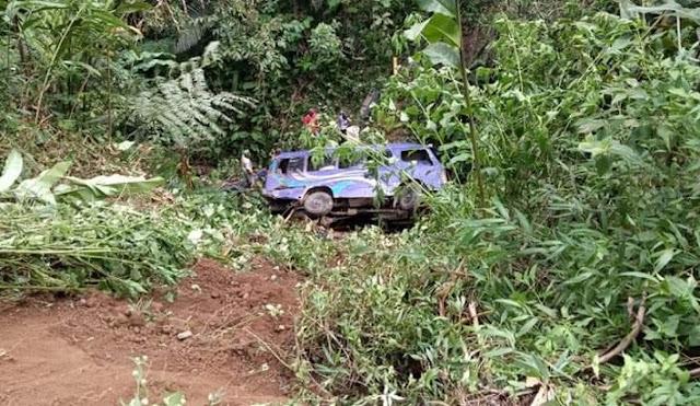 Kecelakaan Maut Mobil Elf Jurusan Ciwidey Kalapa Nunggal Masuk Jurang