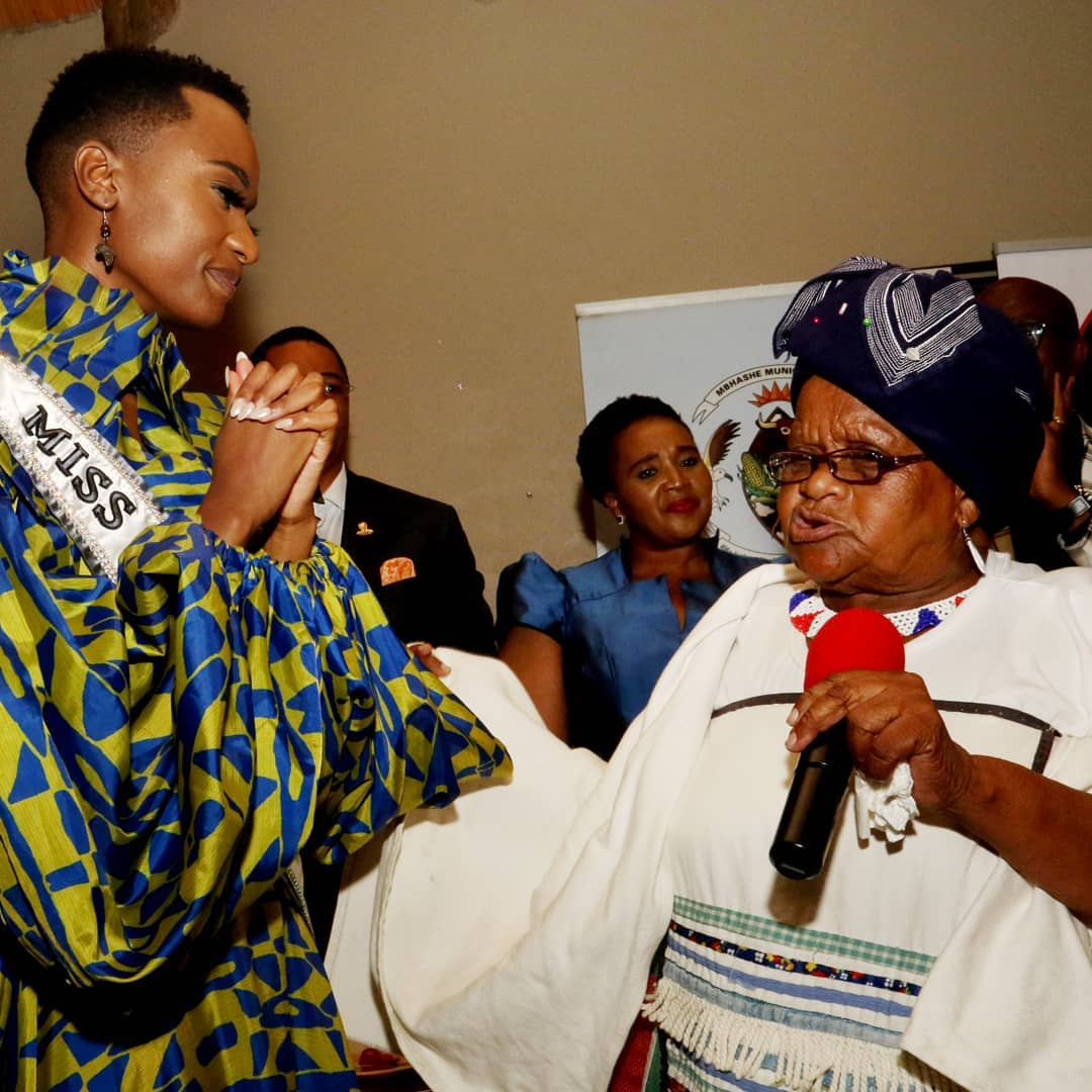 Zozibini with her grandmother Cynthia Lawukazi Nadophu from Dayimane Village Dutywa. (Photo: Yolanda van der Stoep).