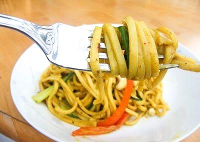 Peanutty Vegetable Noodles