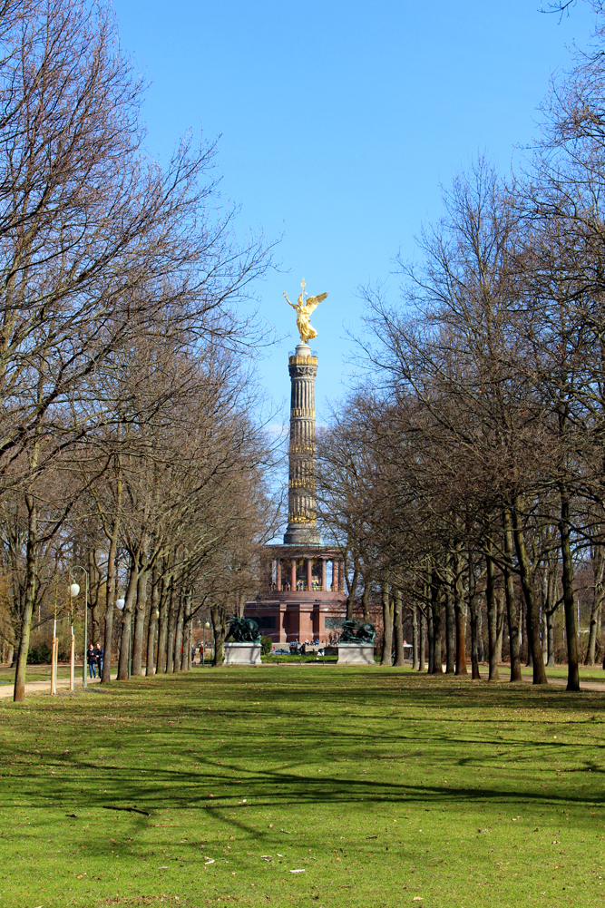 The Victory Column in Tiergarten, Berlin - travel & lifestyle blog