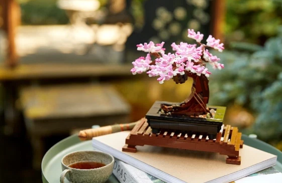 Lego Rilis Koleksi Baru 'Karangan Bunga' dan 'Bonsai', Diciptakan Khusus untuk Orang Dewasa