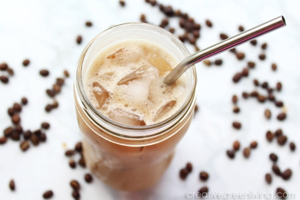 Best keto and whole30 coffee recipes- how to make an iced latte.