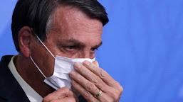 Bolsonaro oficializa troca de ministros