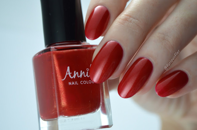 Red gold shimmer swatch annika true love