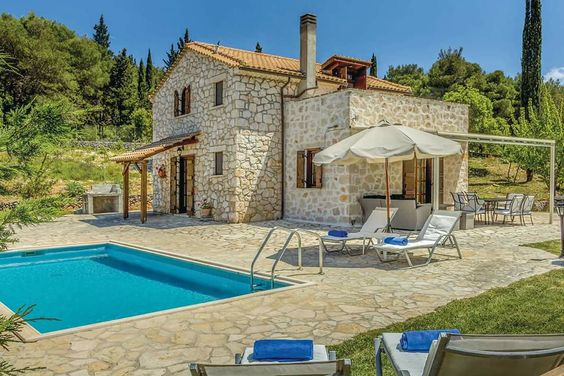 How to design an American idyllic villa
