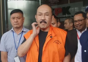 Gak Mungkin Gak Ada yang Bantu Fredrich Yunadi Pakai HP dari dalam Lapas Cipinang, Siapa Orangnya?