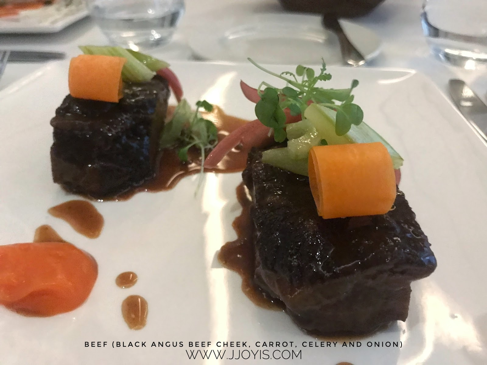 beef cheeks review tablescape entertainer app