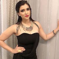 Mannara Chopra Glam Stills HeyAndhra.com