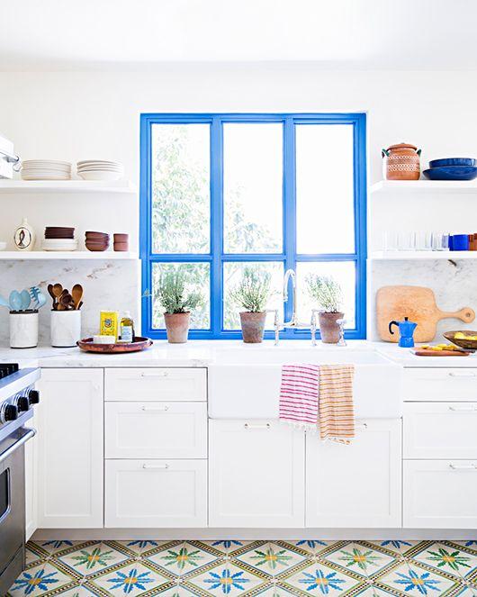 Rama albastra fereastra bucătărie