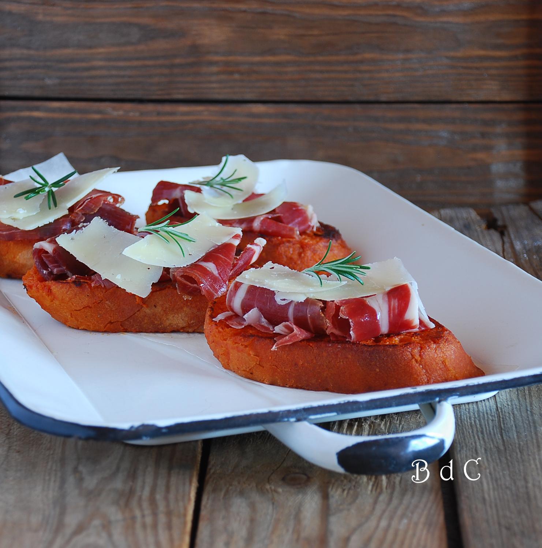 Torrijas de tomate y jamón ibérico - El bistrot de Carmen