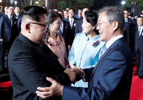 Corea del Sur anuncia retiro de sus altavoces propagandísticos