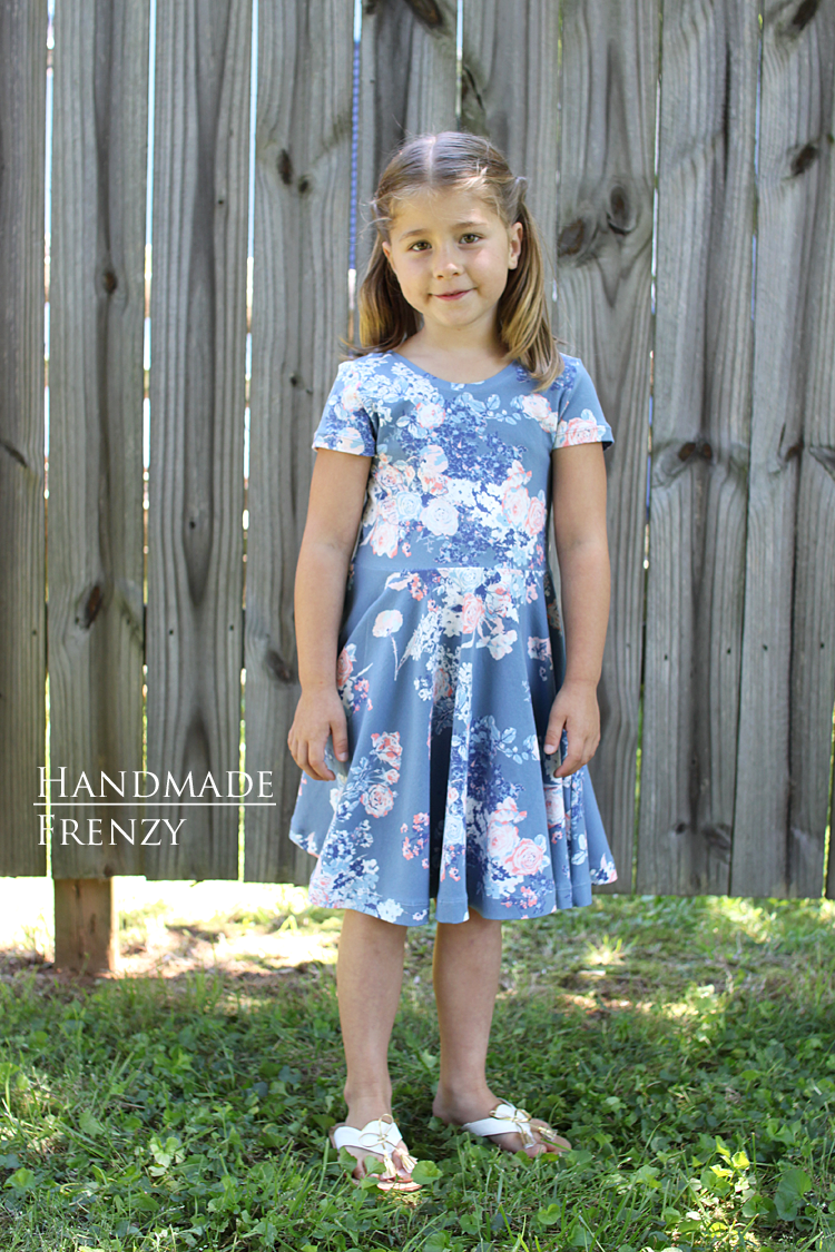 Janie Dress - Pattern Review // Sewing For Girls