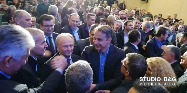Ο Μητσοτάκης στην Τρίπολη για το επίσημο «χρίσμα» στον Π. Νίκα