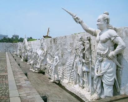 Sejarah Kerajaan Majapahit, Kejayaan Yang Fiktif