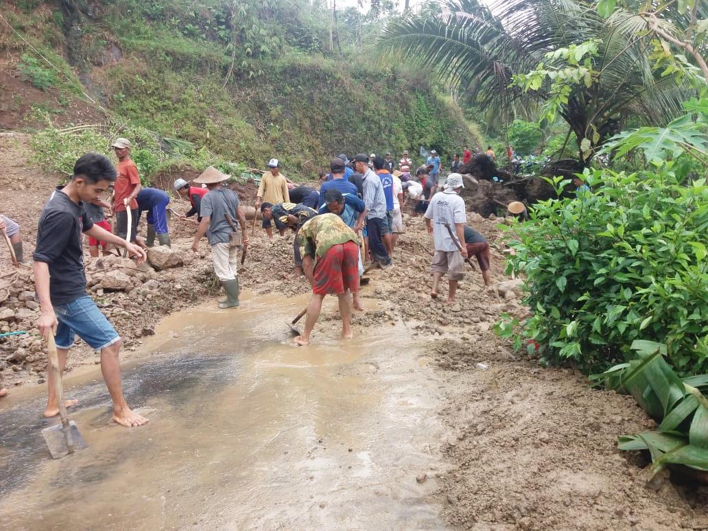 Kebumen Diguyur Hujan Deras, 27 Desa Terendam dan 24 Desa Diterjang Longsor