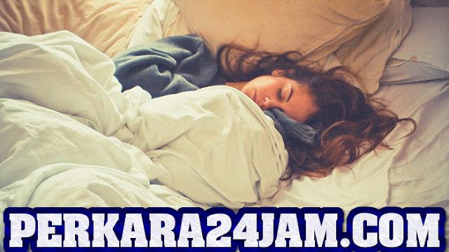 http://www.perkara24jam.com/2021/07/keuntungan-yang-bisa-kamu-dapat-dari-tidur-menggunakan-selimut-tebal.html