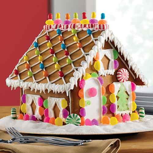 Suzy Homefaker Gingerbread House Decorating Ideas