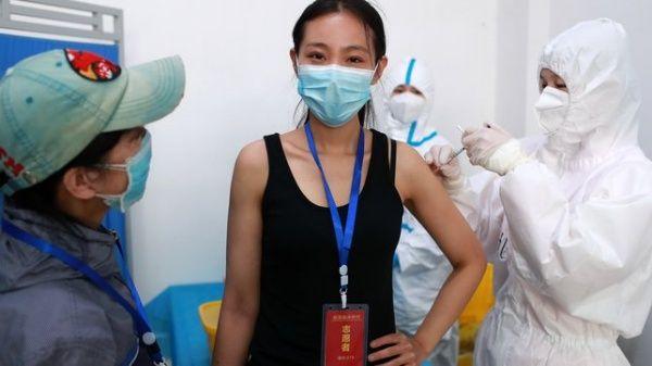 Cinco vacunas chinas para la Covid-19 pasan a fase 3 de ensayos