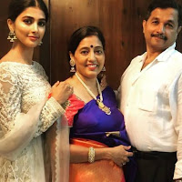 Pooja Hegde With Her Father and Mother