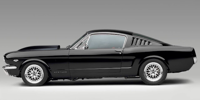 Ford Mustang Fastback del 1965 con motore Cammer 5.0 V-8.