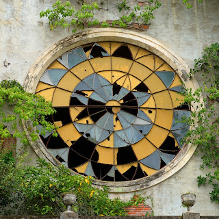 broken stained glass church Santiago de Puriscal