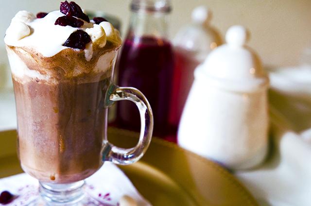 House Vegan: Vegan Cranberry Hot Chocolate